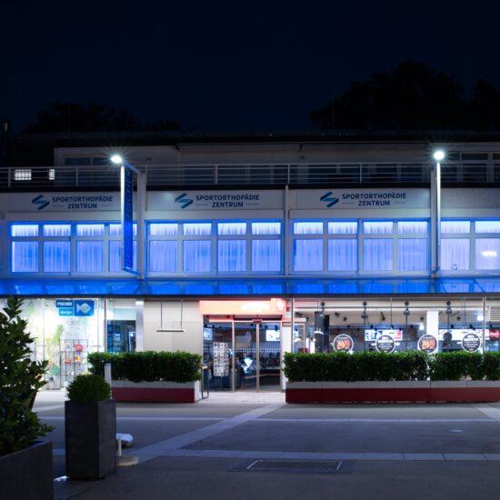 Sportorthopädie Zentrum by night I Ekazent Hietzing